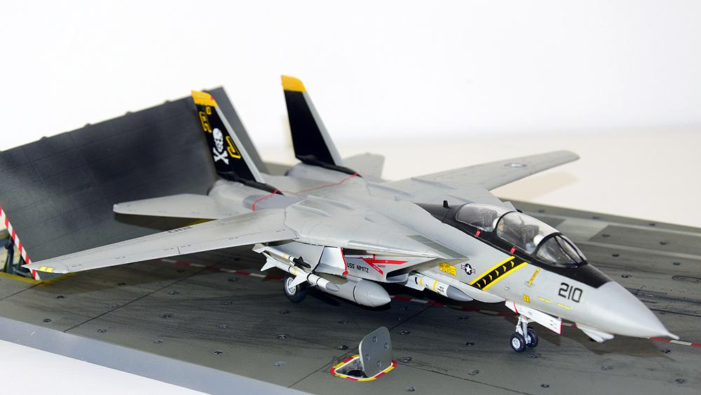 "Grumman F-14A Tomcat ""Jolly Rogers"""